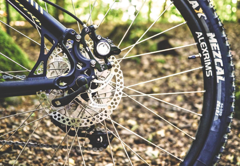 Techniki jazdy rowerem zmiana biegów